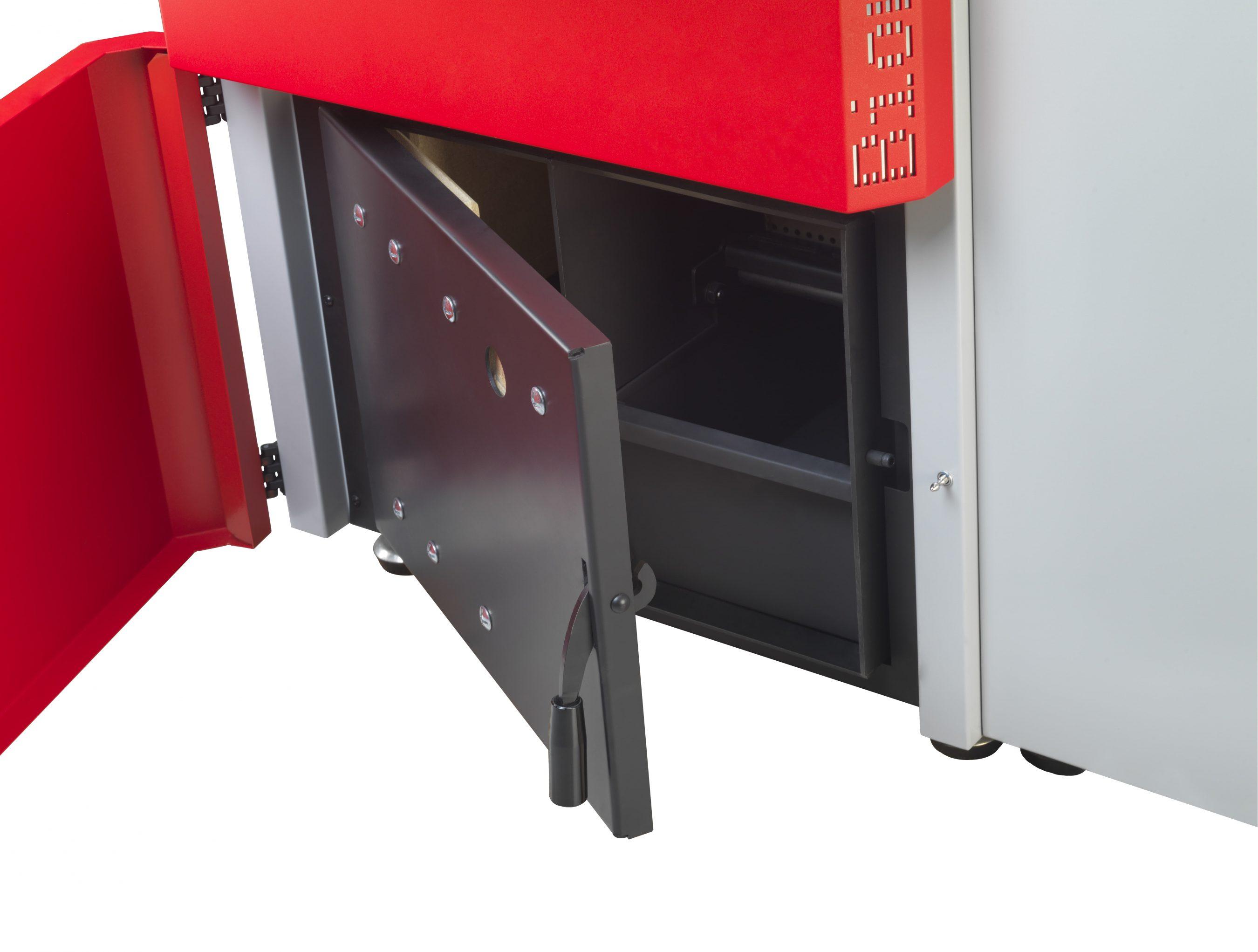 Pormenor da gaveta de cinzas da caldeira Biomasse P